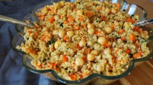 Couscous-Salat mit Kichererbsen