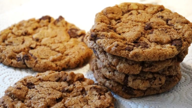 Thermomix® Chocolate Chip Cookies (vegan)