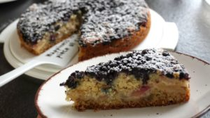 Read more about the article Blaubeer-Apfel-Kuchen